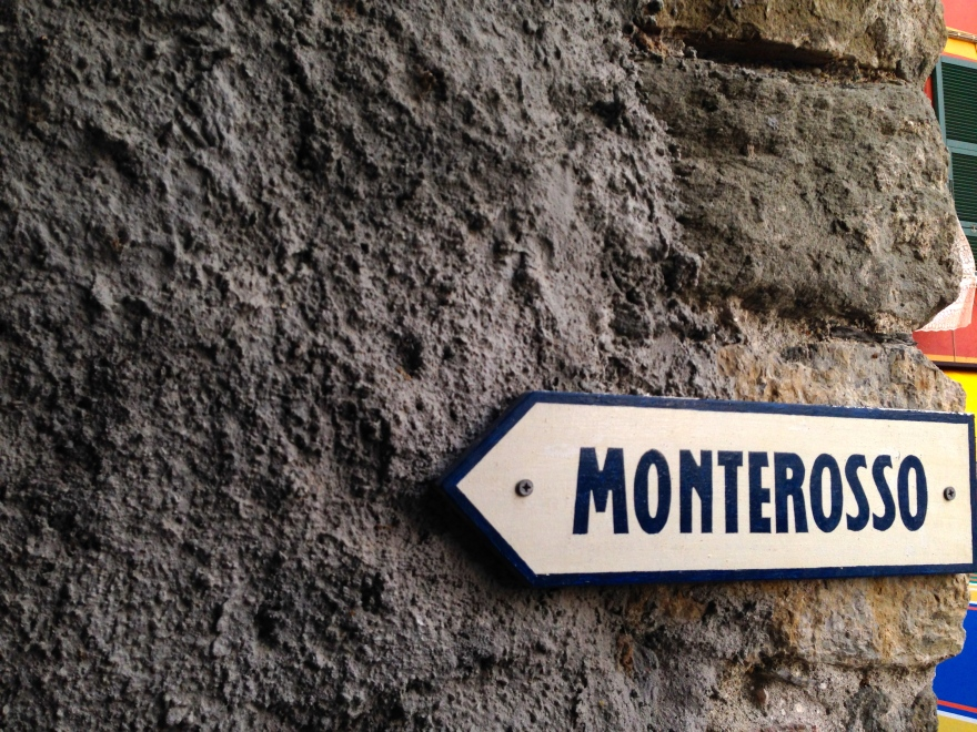 Blink and you'll miss it. The sign leading the way back toward Monterosso.